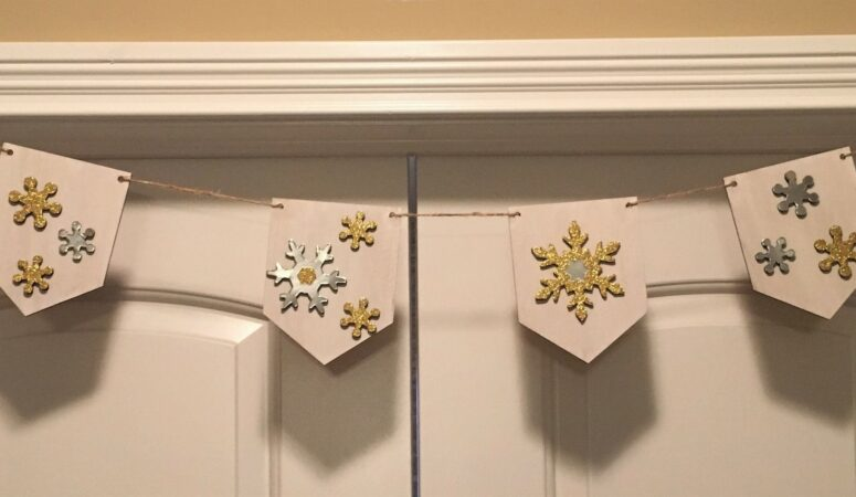 Snowflake garland to warm up your home this winter
